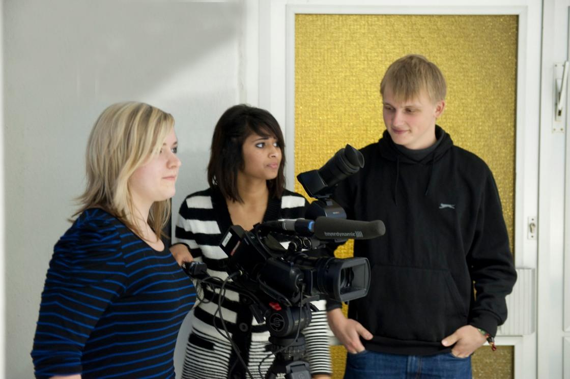 Sophia, Hannah und Philipp bei der Kamera-Einführung
